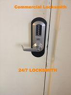 full service we are in north Miami 24 hour locksmith service