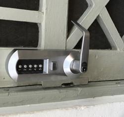 install locks