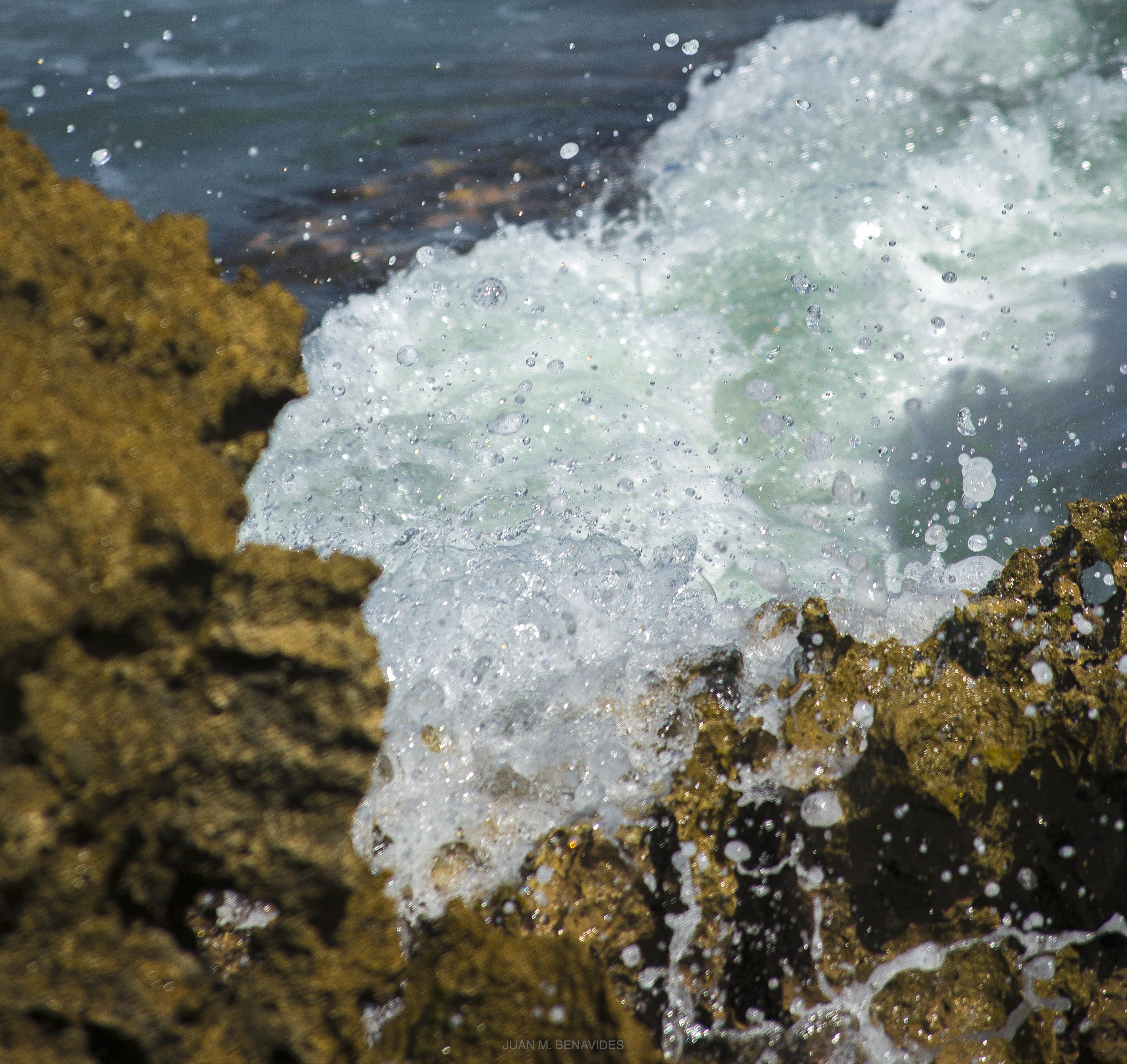 mar y piedras