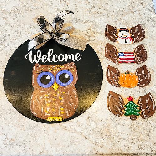 Owl welcome door hanger with interchangeable attachments