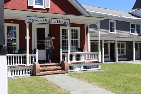 Stowe Pubic House