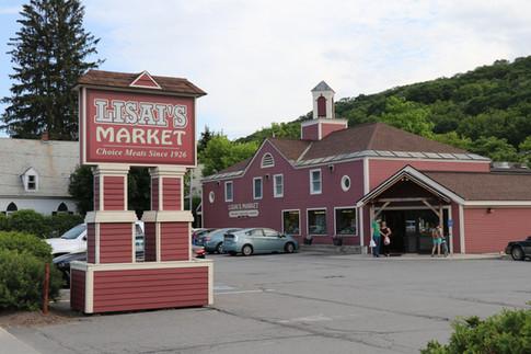 Lisai's Market in Bellows Falls