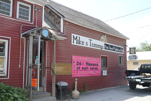Mike and Tammy's Main Street Market in Londonderry