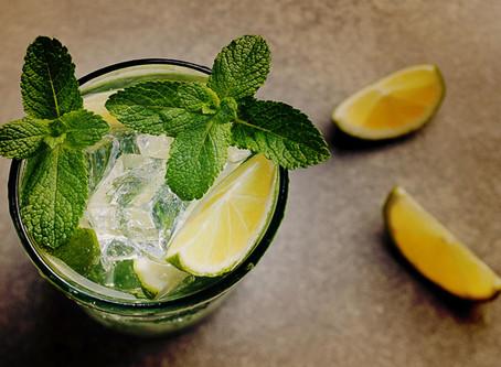 Como fazer uma caipirinha de limão perfeita