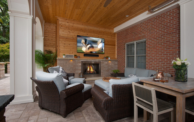 Outdoor TV and Fire Place.jpg