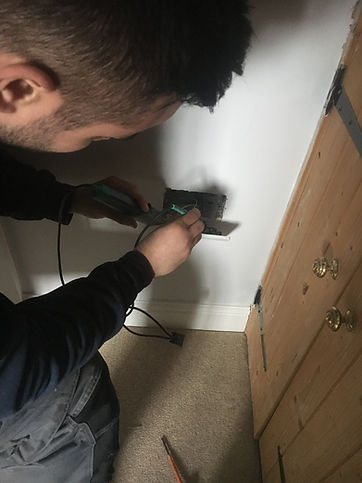 Electrician in Carterton