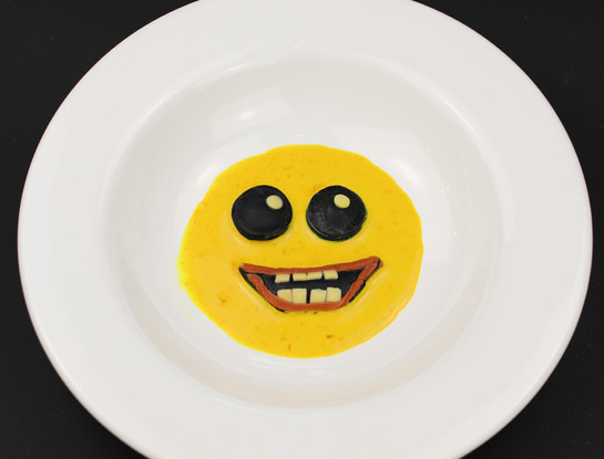 Creative - Smiley ravioli plate
