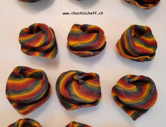 Tortelloni with rainbow