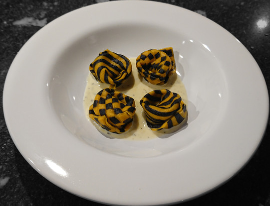 Tortelloni checkerboard pattern and stripes