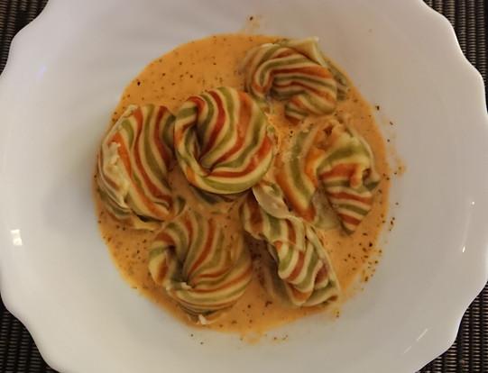 Tortelloni tricolori