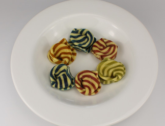 Tortelloni with stripes -