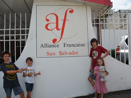 L'Alliance Française, Réception des colis, Débat à l'ambassade du Mexique, Fête des mères :  du 22 a