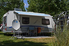 Camping pour caravane à la tranche sur mer