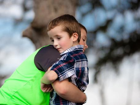 מחקר חדש: גם אחים צעירים מהווים מודל לחיקוי