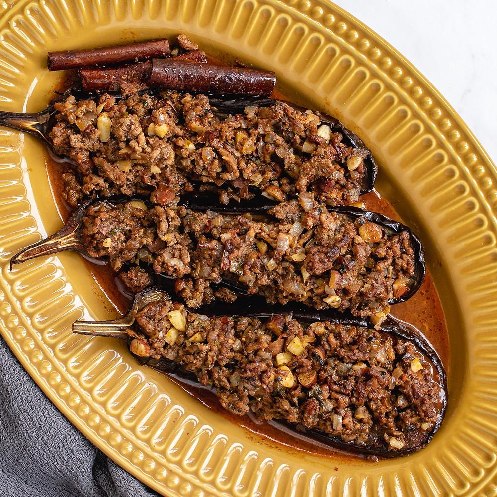 receita de berinjela com carne e amêndoas