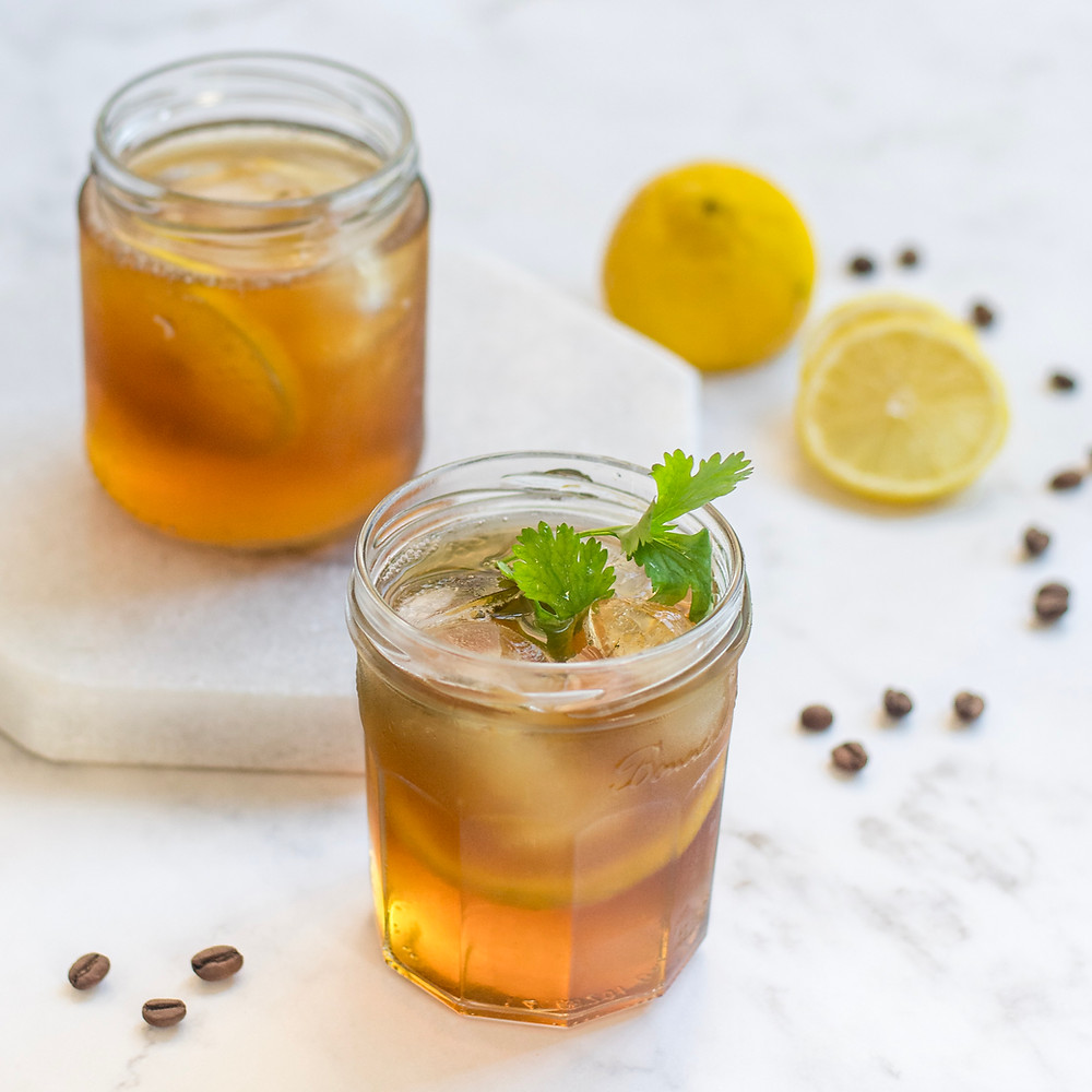 drink de whisky infusionado com café