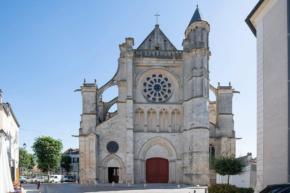 Eglise de Saint-Etienne - sixième étape Brie Comte Robert. Crédits photo : © Martin Argyroglo