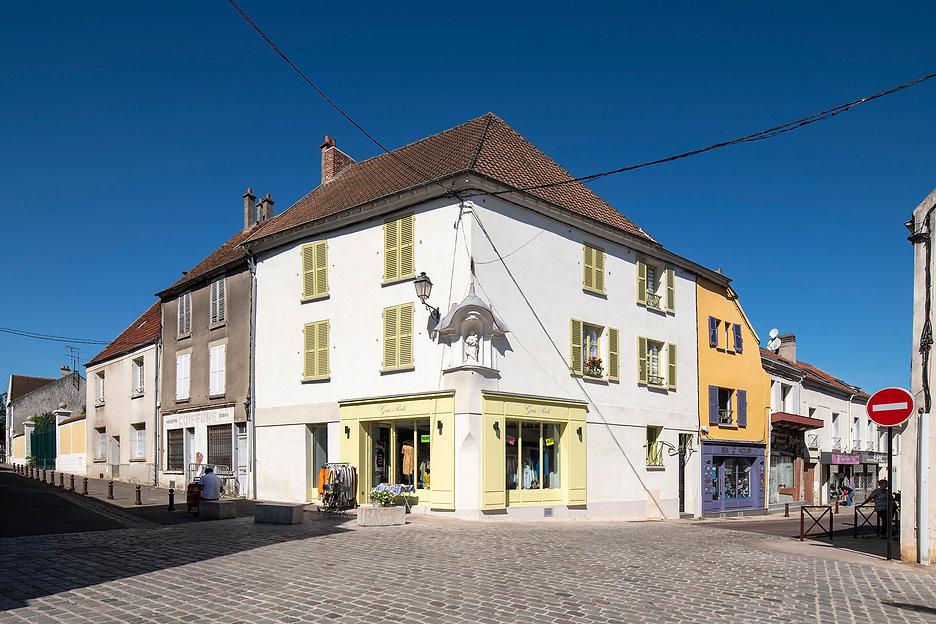 Bâti ancien - Deuxième point d'étape Brie-Comte-Robert. Crédit photo :© Martin Argyroglo