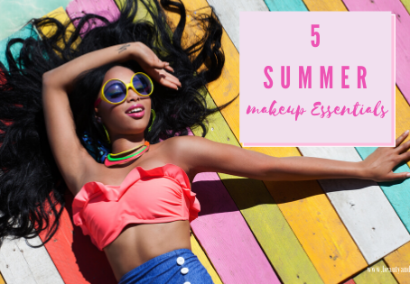 5 SUMMER MAKEUP ESSENTIALS