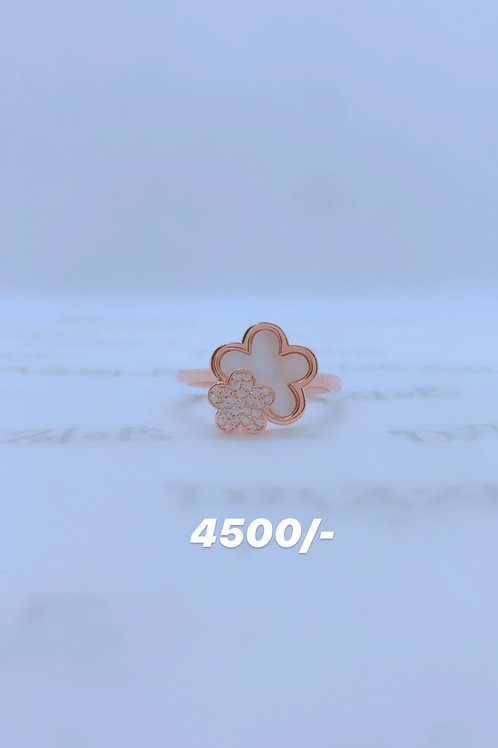Rosegold plated flower ring
