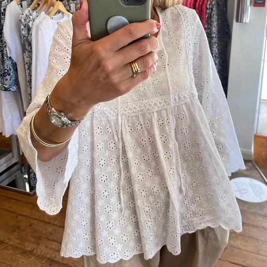 Italian Collection Broidianglaise White  Gypsy Top