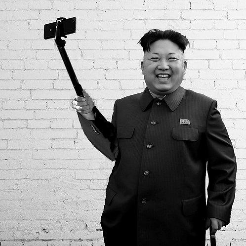 Kim likes his selfie
