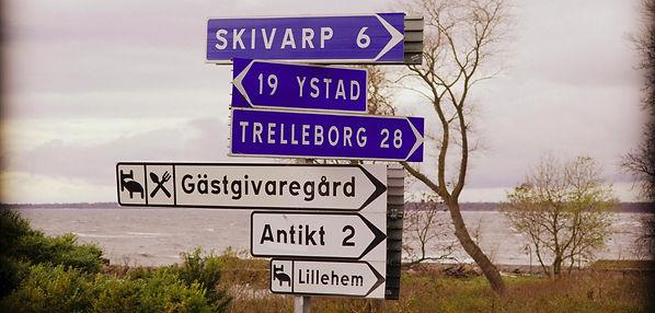 Lillehem Gårdshotell, ett B&B med lägenheter mitt på den skånska Sydkusten, vid Hörte. Njut av lugnet vid vår lantliga idyll!