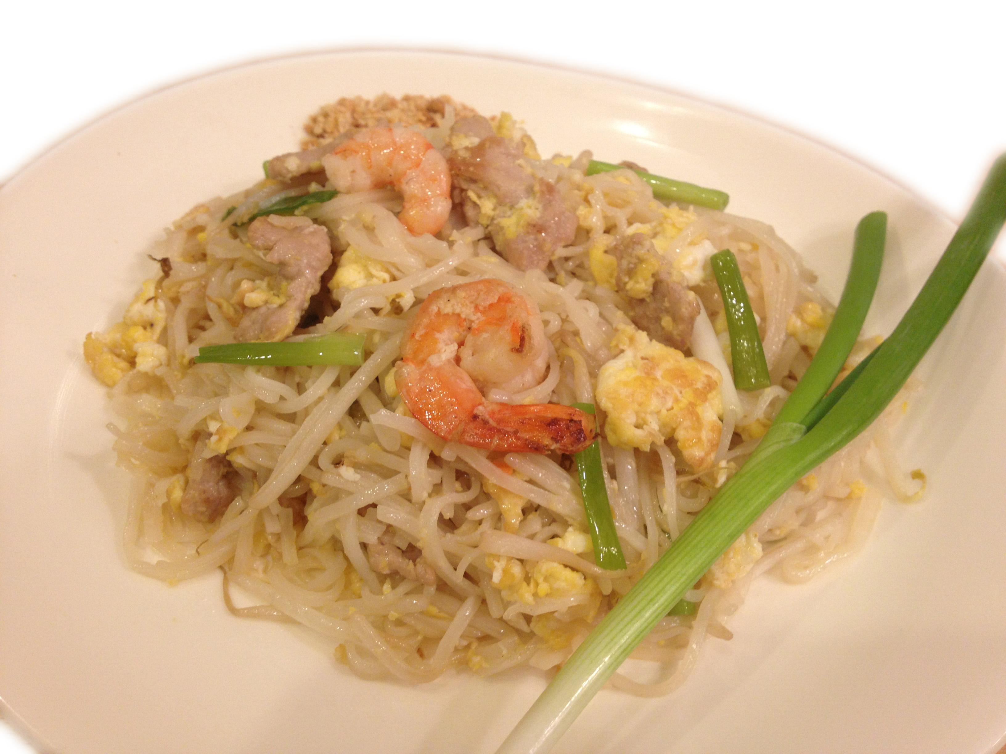 2-Pad Thai USA_Chicken copy.jpg