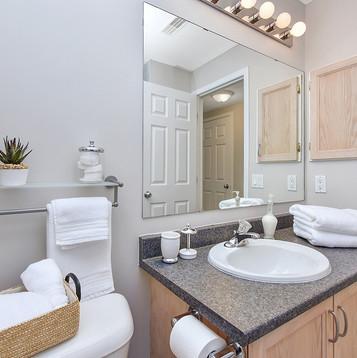 029bathroom_view3.jpg