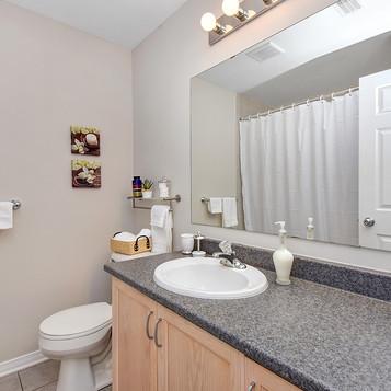 028bathroom_view2.jpg