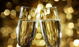 champagne toast to celebrate new years e