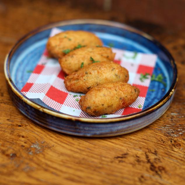 Codfish cakes Go Bifanas takeaway in Nor