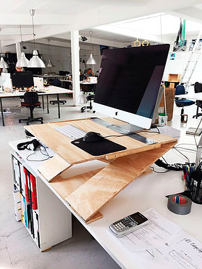 Early prototype of OPLØFT made of plywood