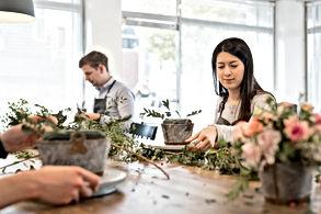Cours d'arrangements floraux, Cours d'art flora