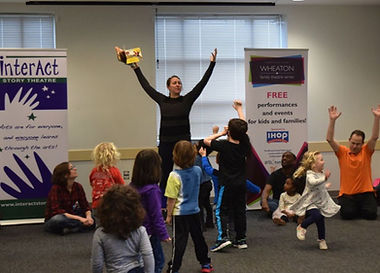 Kelly King  leads a Wheaton Family Theatre Series event in 2018