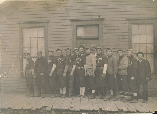 Early Virginia City MT Baseball Team.jpg