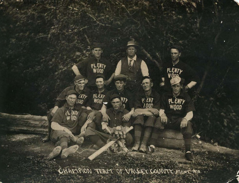 Plentywood MT Baseball Team 1910.jpg