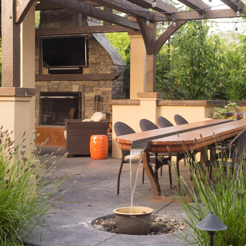 Outdoor Fireplace & Dining