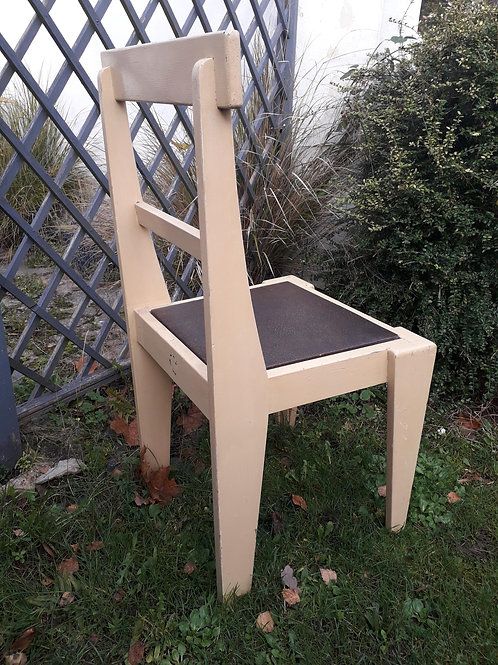 'Bauhaus brutalist' style wooden painted chair
