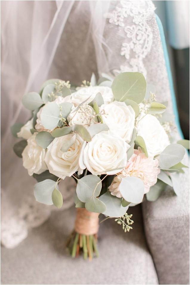 stone-house-bouquet.jpg