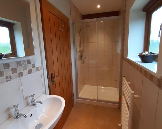 Bramble's shower bathroom