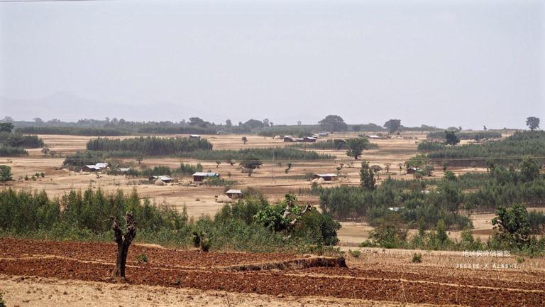 出Bahir Dar 又是美麗的田園丘陵