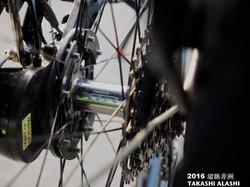 輪框是自己編的手編輪組,32根鋼絲,花鼓是shimano XTR ,鋼絲是DT-Swiss competiton 2