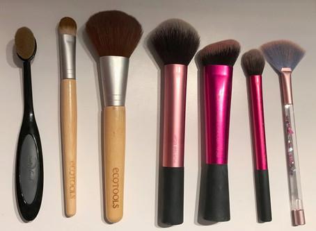 Pinceaux de maquillage favoris & comment les nettoyer