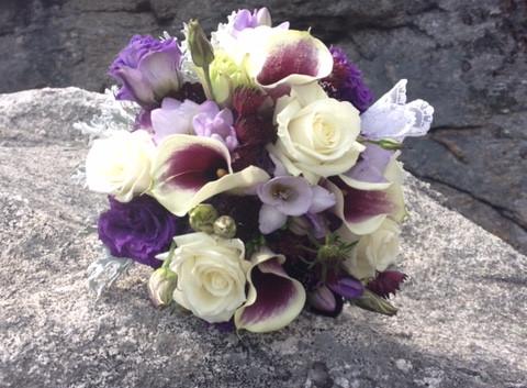 Calla and roses