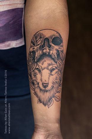 Lineart Wolf Skull Tattoo