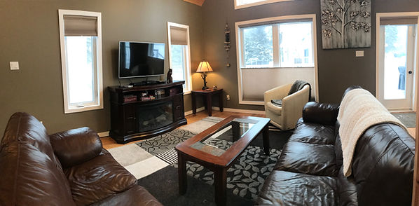 Clear Lake Cabin Rentals - Cabin 1 living room 2