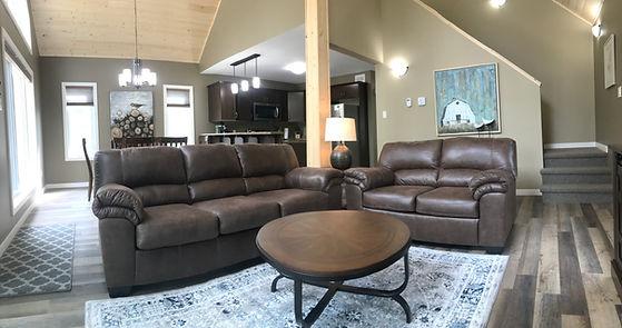 Geiler Corner Cabin 4 Living Room 2- cle