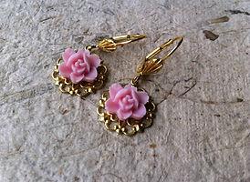 Free Designer Earring Gold / Pinl Flower From Sistalk.co.uk