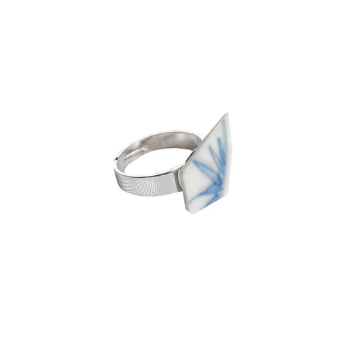 Ring, porcelain shard